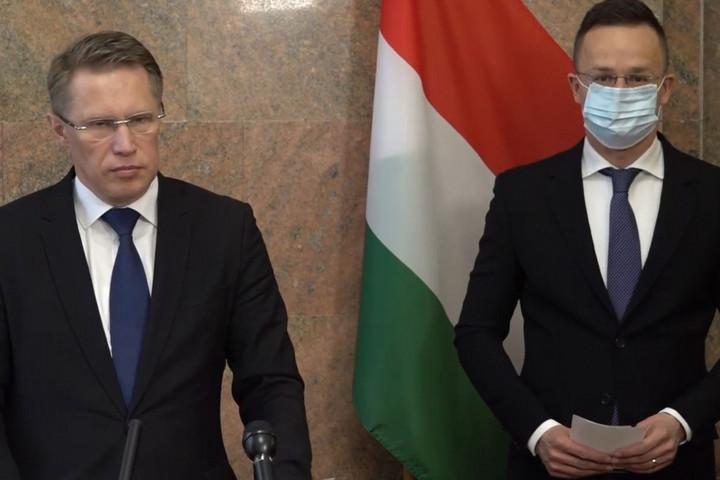 Megszületett a megállapodás, orosz vakcinák érkeznek Magyarországra