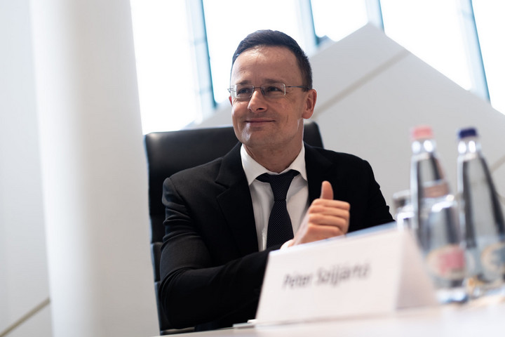 Magyarország segíti az azeri újjáépítést