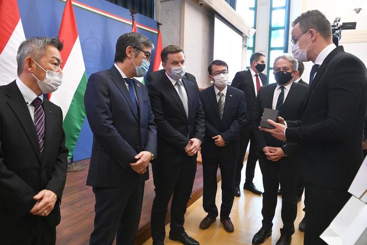 6,5 milliárd forintos beruházást hajt végre három japán autóipari cég Magyarországon