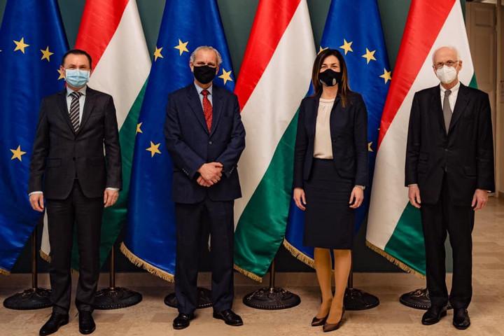 """""""Olyan Európát szeretnénk, ahol elismerik a nemzetállami megoldásokat"""""""