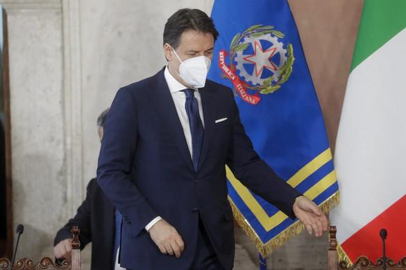 Az olaszok több mint fele választásokat akar új Conte-kormány helyett