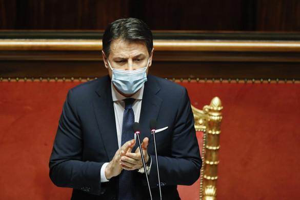 Conte ragaszkodik a hatalomhoz, a felsőházban is megkapta a bizalmat