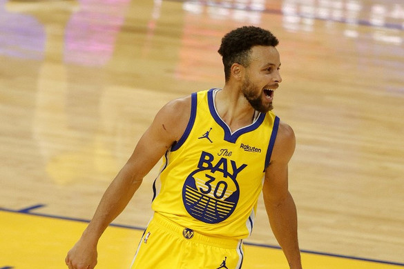 Curry karriercsúcsot jelentő 62 pontot dobva vezette győzelemre a Warriorst
