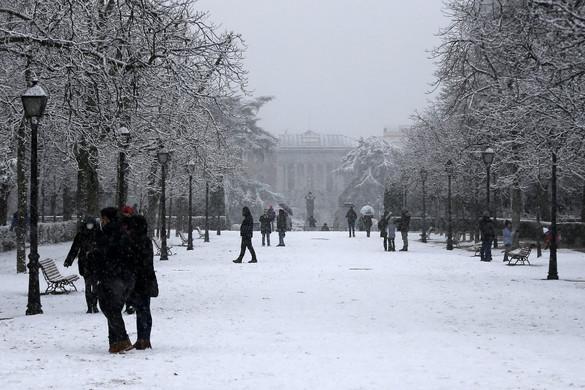 Hatalmas hóesés kezdődött Madridban