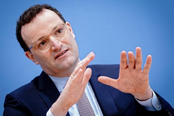 A német egészségügyi miniszterre is gyanú vetül az arcmaszkok beszerzése ügyében