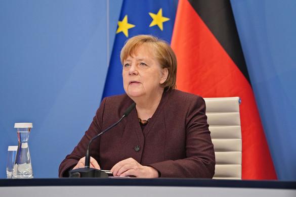Elégedetlen Merkellel a koalíciós társ SPD