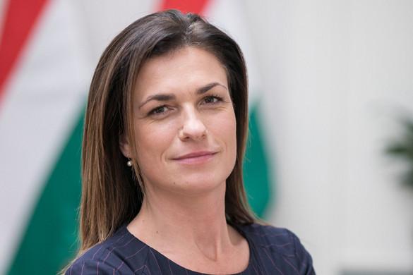 Lengyel-magyar javaslatok az online cenzúra ellen