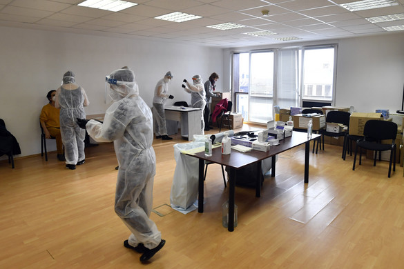 Újabb munkakörökben kezdődik meg a csoportos tesztelés