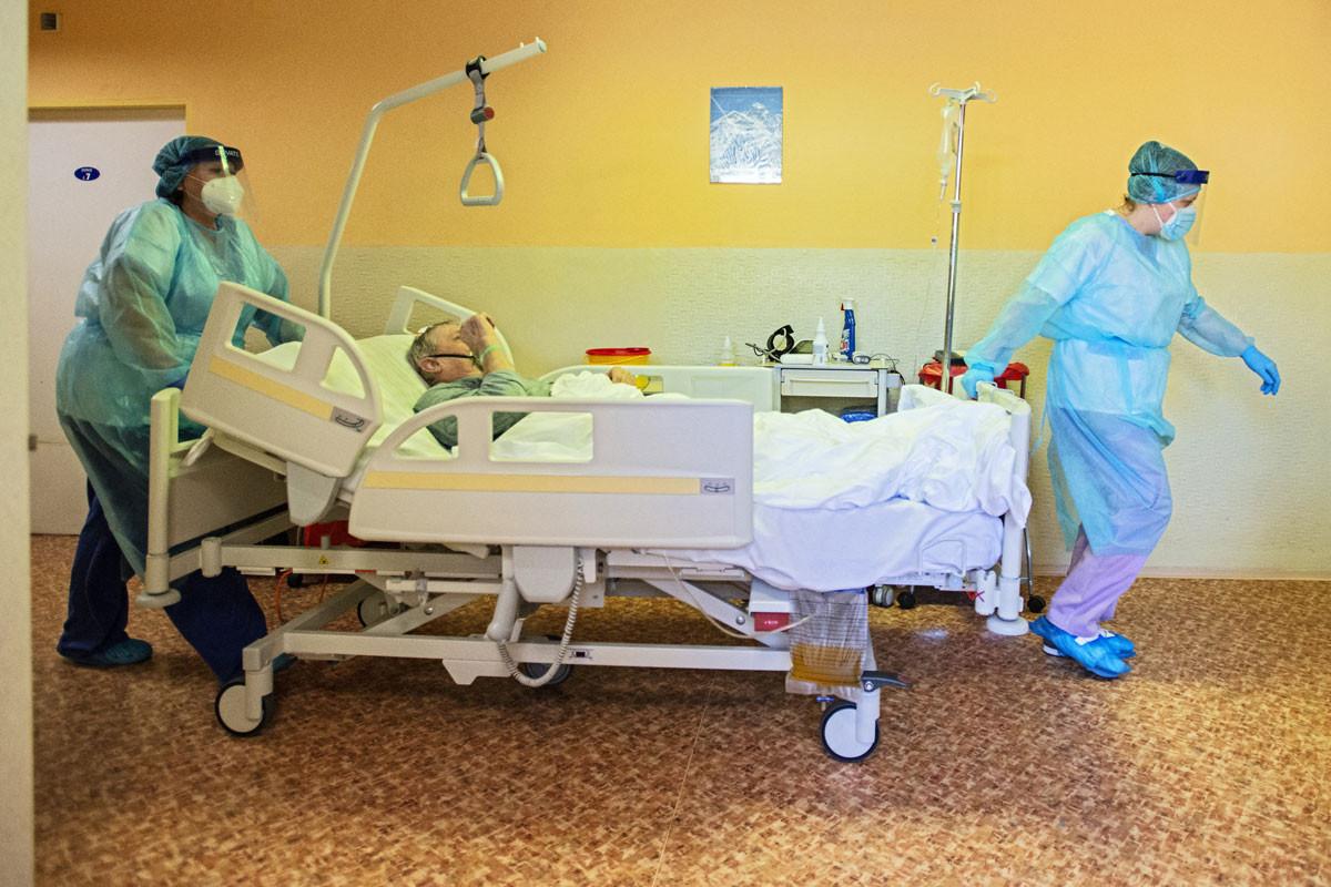 Összeomolhat a kórházi ellátás Csehországban