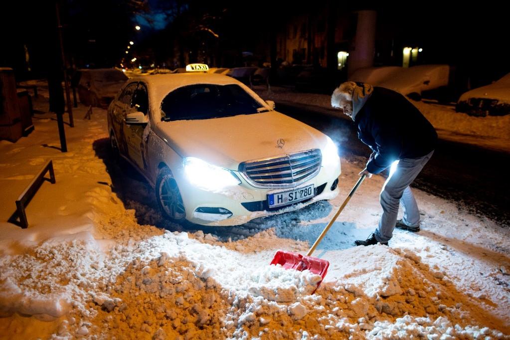 Komoly fennakadásokat okozott a havazás