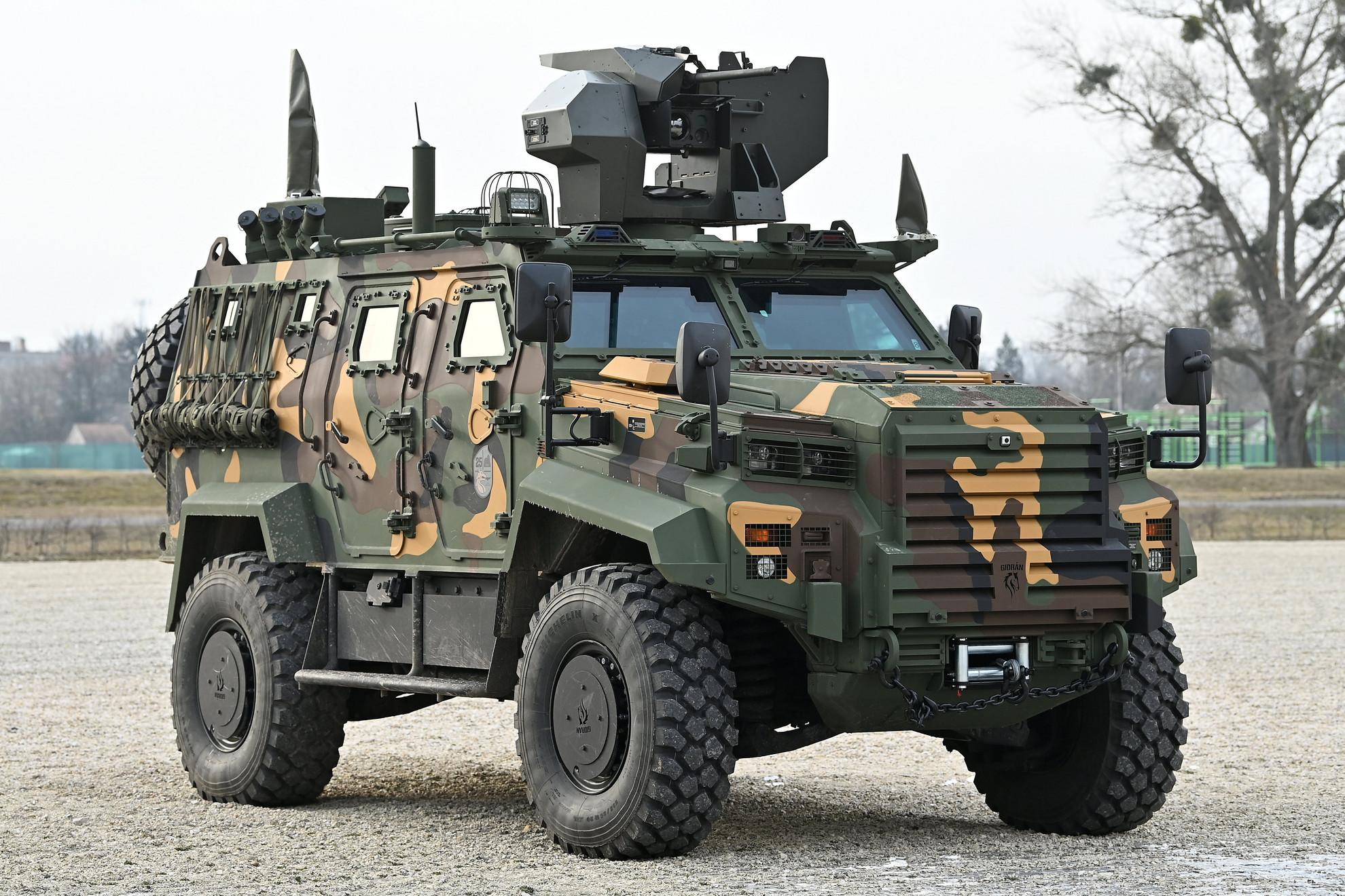 A török gyártótól hamarosan további negyven jármű érkezik Tatára