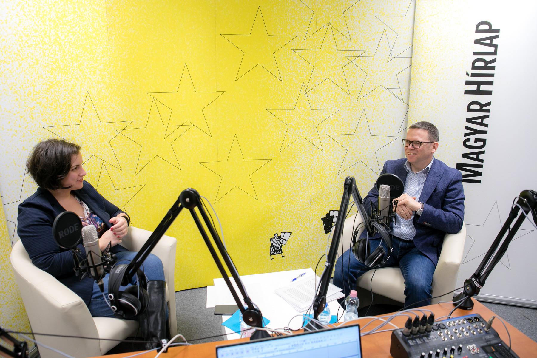 Lapunk főmunkatársa, Őry Mariann és Fürjes Balázs, a Miniszterelnökség Budapest és a fővárosi agglomeráció fejlesztéséért felelős államtitkára a Faktum felvételén