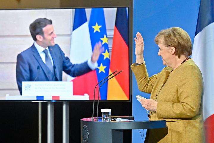 Elítélte Moszkva lépését Merkel