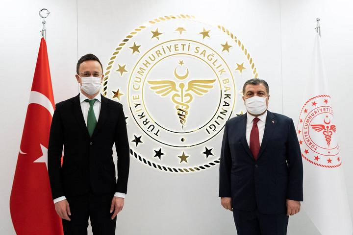 Törökország örömmel fogadná vakcinája tesztelésében a magyar együttműködést