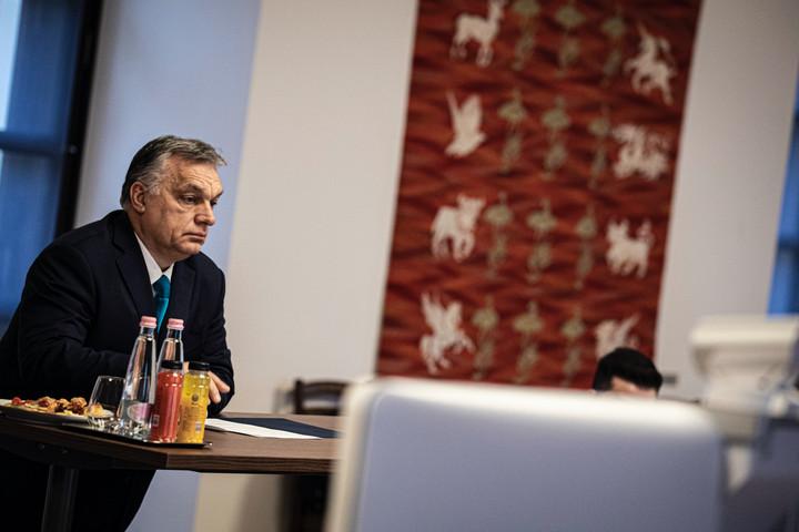 Kínával és a kelet-közép-európai országokkal tárgyalt Orbán Viktor