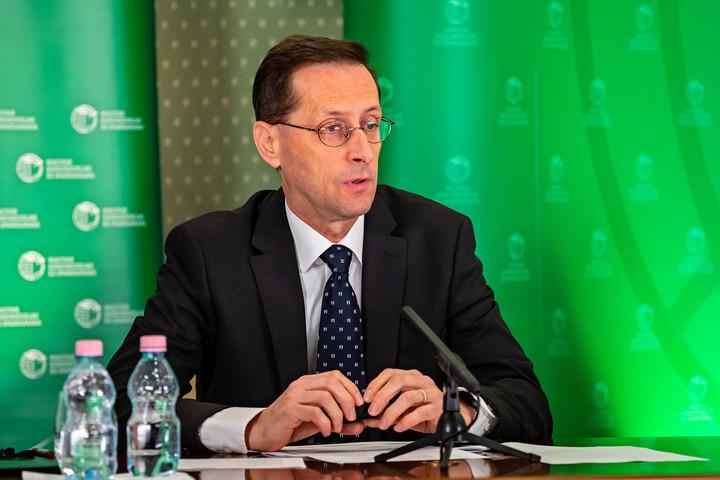 Varga Mihály: A beruházások alapozzák meg a következő évek növekedését