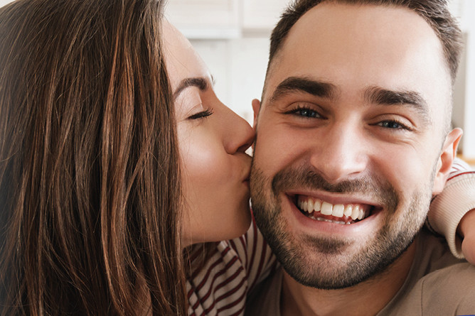 Sztárpárok vallanak egymásnak újra szerelmet egy különleges videóban