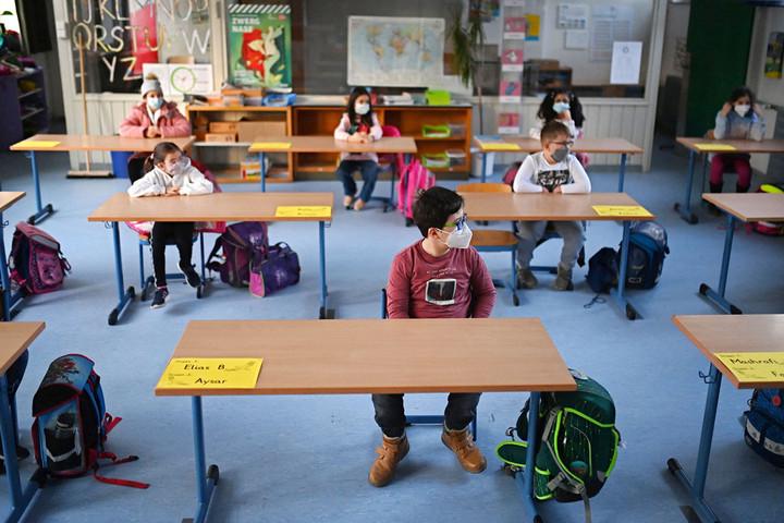 Megnyíltak végre a német  általános iskolák és óvodák