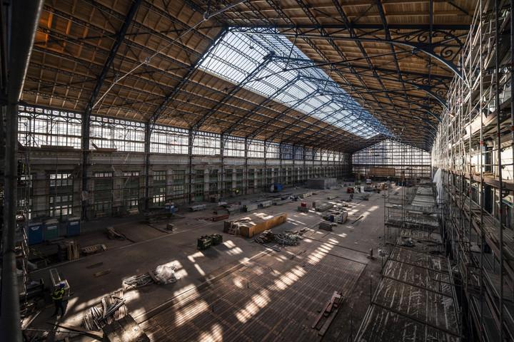 Befejeződött a Nyugati pályaudvar csarnokának tetőszerkezet-építése
