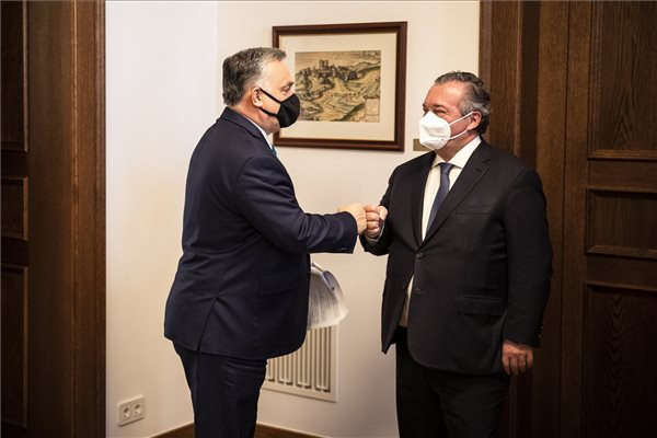 A gazdaság és a rendezvényszervező szektor újraindításáról egyeztetett Orbán Viktor