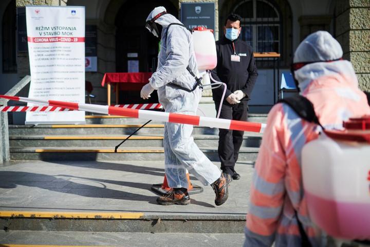Ljubljana: Az EU-nak fel kell gyorsítania az oltóanyag-beszerzési eljárásokat