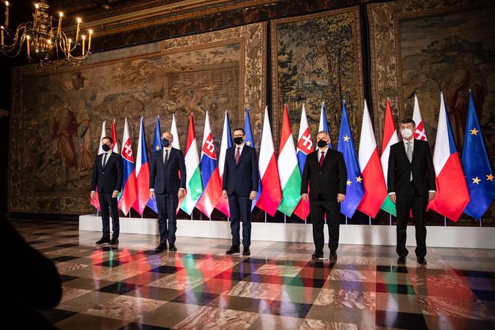 Orbán: Össze kell tartani, ez a V4 sikerének titka