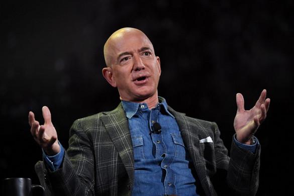 Jeff Bezos még az idén lemond az Amazon vezetéséről