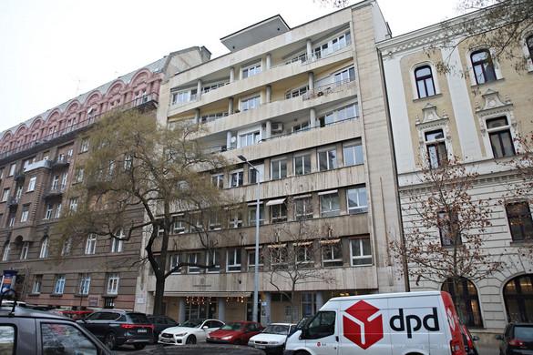 A belvárosi irodaházat is felfalta Gyurcsány Altusa
