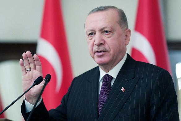 Békülne Erdogan az Egyesült Államokkal, de sérelmeit nem teszi félre