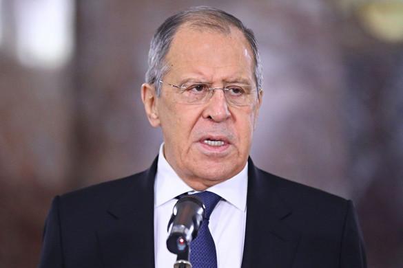 Lavrov: A nyugati országok politikai hasznot próbálnak húzni a koronavírus-járványból