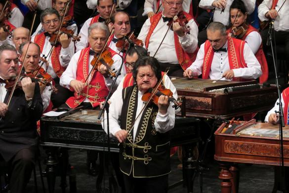 Átköltöztette hangszereit Budafok-Téténybe a 100 Tagú Cigányzenekar