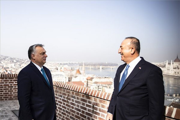 Orbán Viktor fogadta a török külügyminisztert