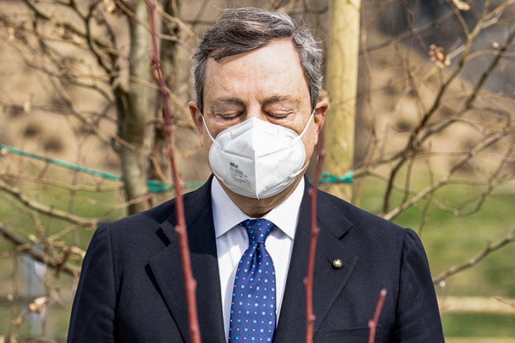 A koronavírus-járvány halottainak szentelt emléknapon Mario Draghi kormányfő is jelen volt