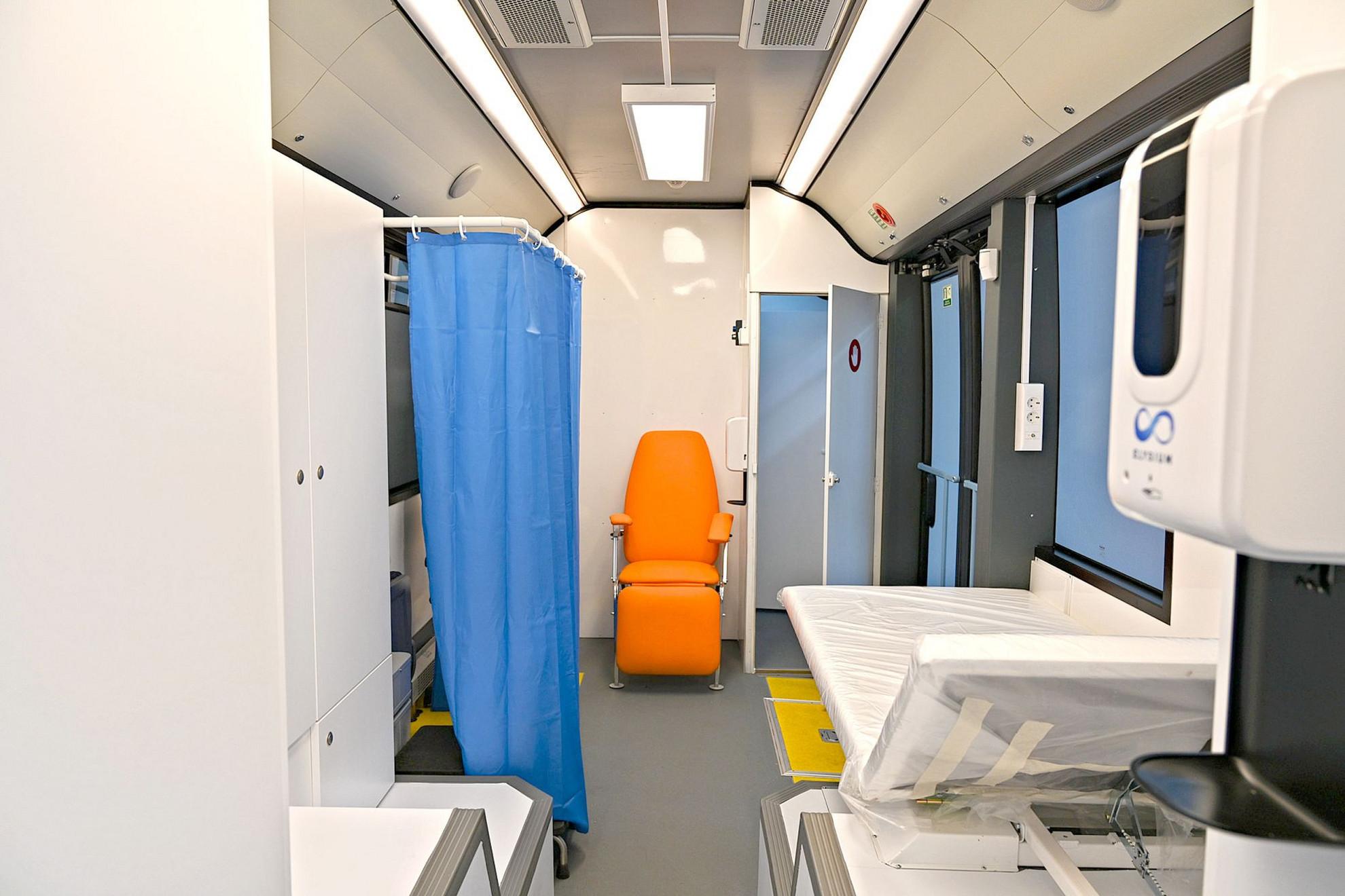 A speciális belső tér egy teljesen korszerű és minden egészségügyi előírásnak megfelelő orvosi rendelőként funkcionál majd