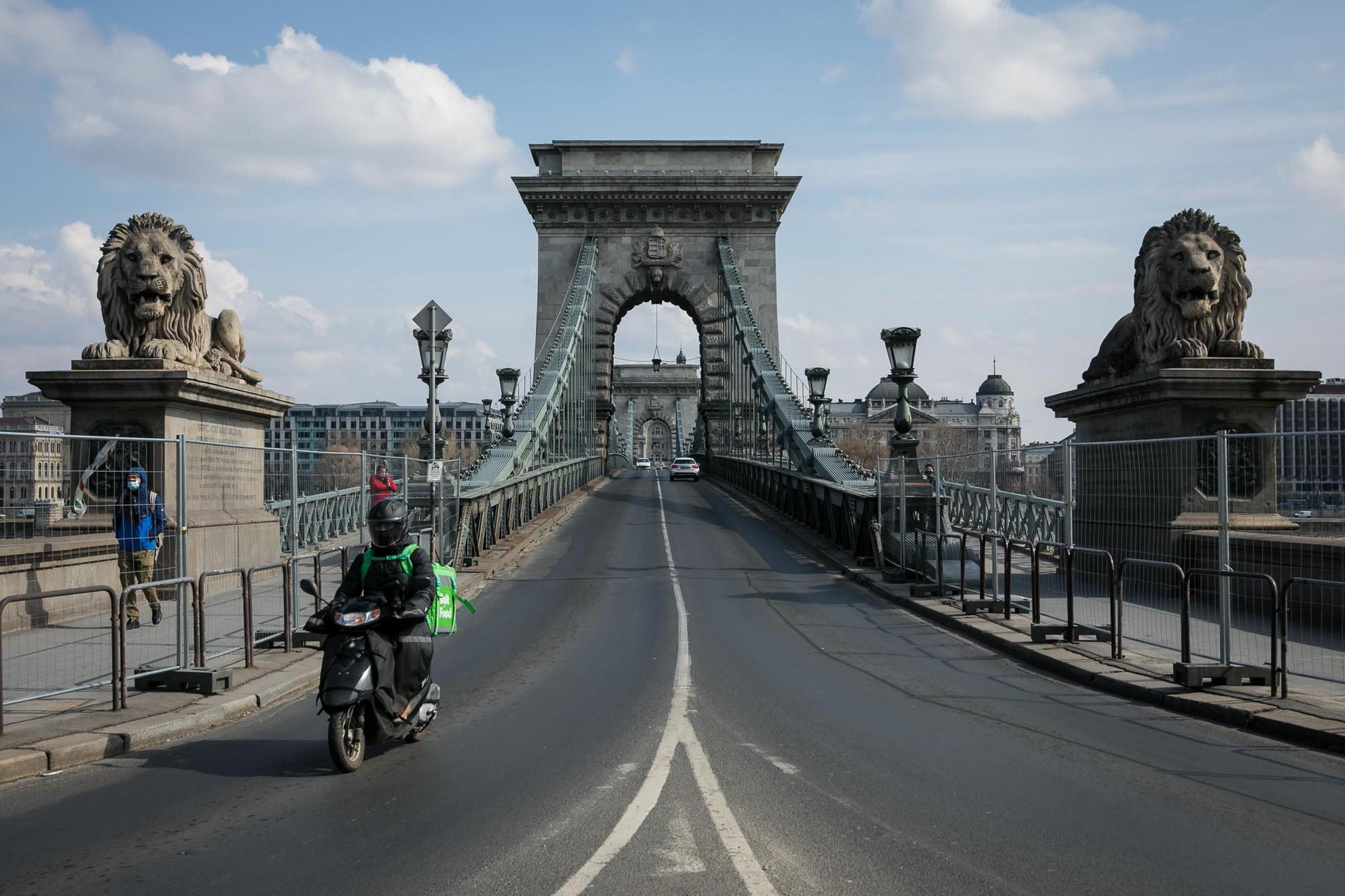 A közúti forgalom elől várhatóan június közepén zárják le a hidat