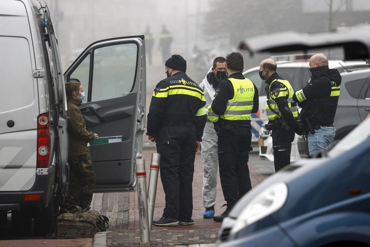 Vélhetően pokolgépes támadás ért egy holland tesztközpontot