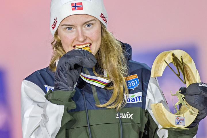 Mindkét Leinan Lund nővért megelőzte Westvold Hansen