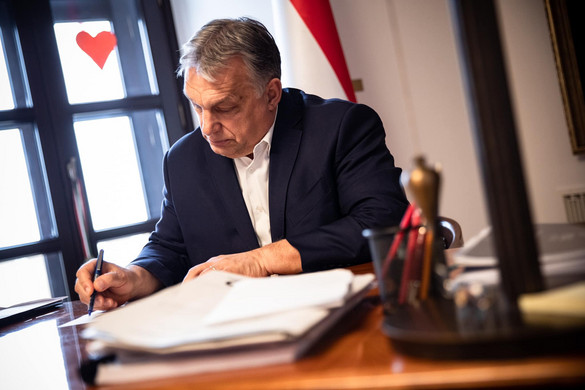 Orbán Viktor aláírta a szigorításokról szóló rendeleteket