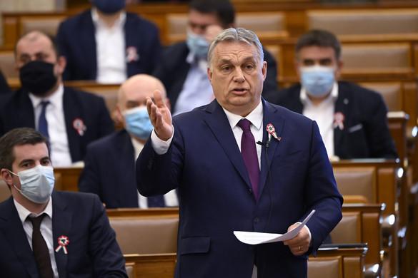 Orbán Viktor pofára ejtette Jakab Pétert a parlamentben