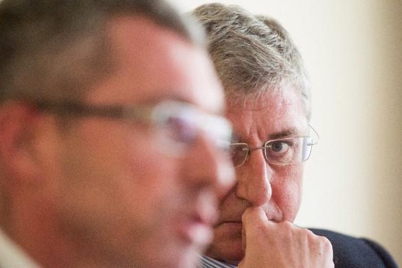 A korrupcióba bukott bele Frank Engel