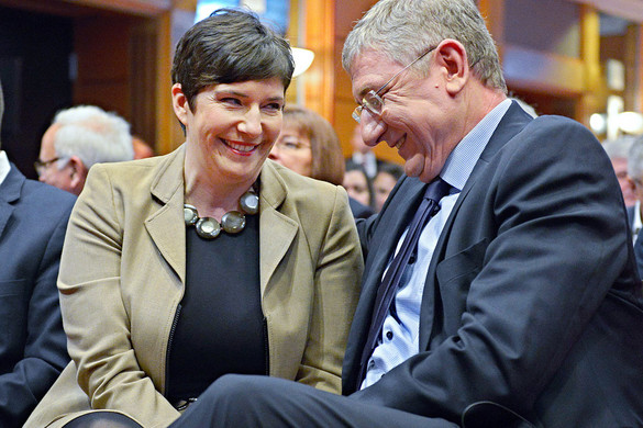 Márciusban a Gyurcsány házaspár kapja a Korózs-díjat