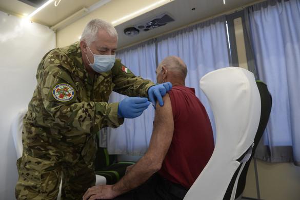 Helybe érkezik a vakcina az oltóbuszoknak hála