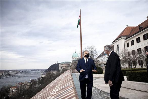 Orbán Viktor a Veolia vezetőivel tárgyalt