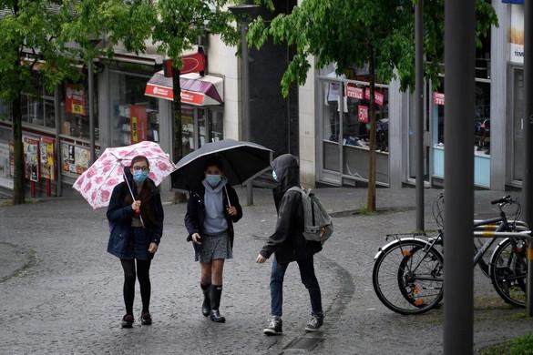 Svájcban elmarad a korlátozások tervezett enyhítése