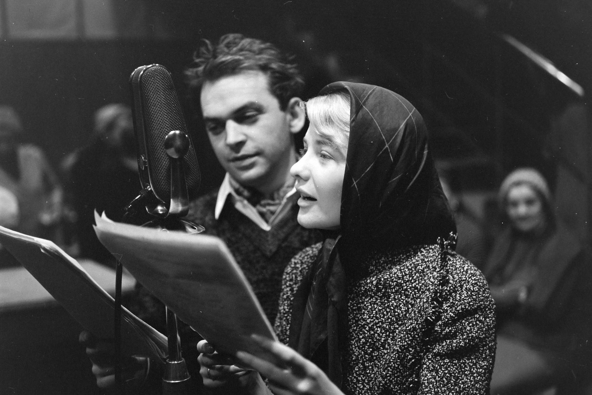 Gárdonyi Géza Az egri csillagok című művéből készült rádiójáték felvétele 1961-ben Bodrogi Gyulával és Törőcsik Marival