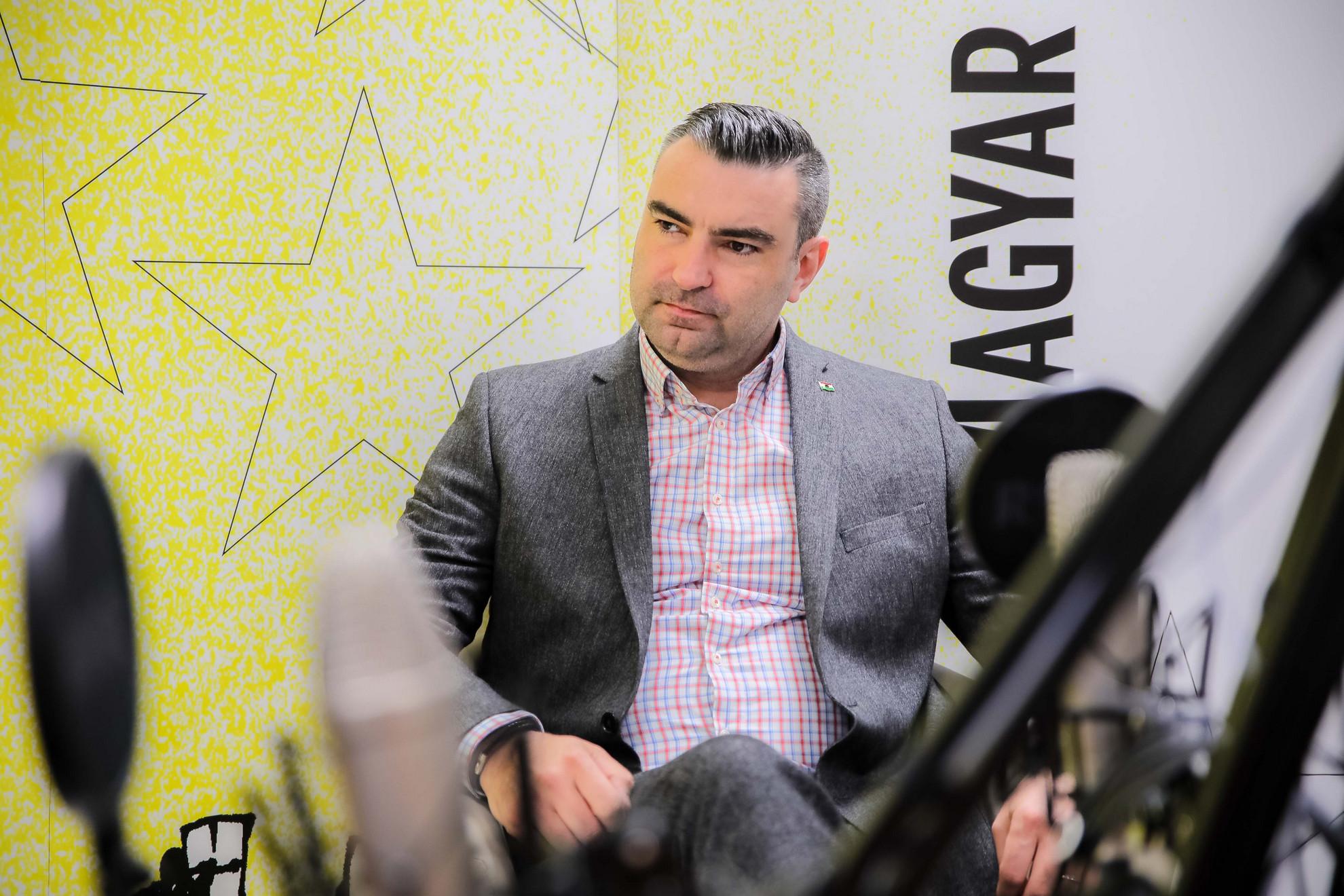 Ifj. Lomnici Zoltán, a Századvég jogi szakértője a Faktum műsorának felvételén
