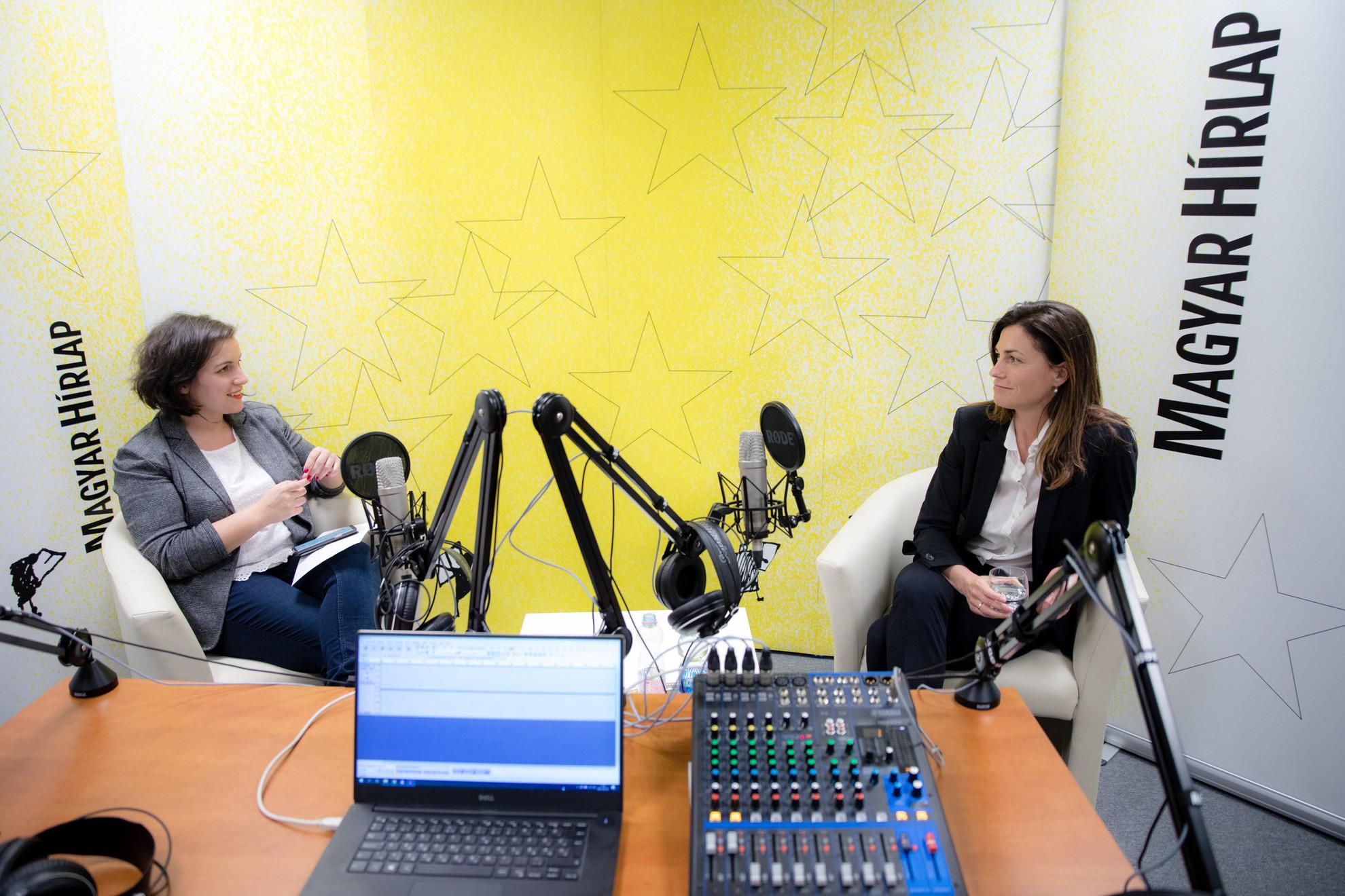 Lapunk főmunkatársa, Őry Mariann és Varga Judit igazságügyminiszter a Faktum műsorának felvételén