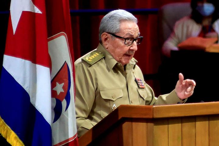 Bejelentette lemondását Raúl Castro kubai pártelnök