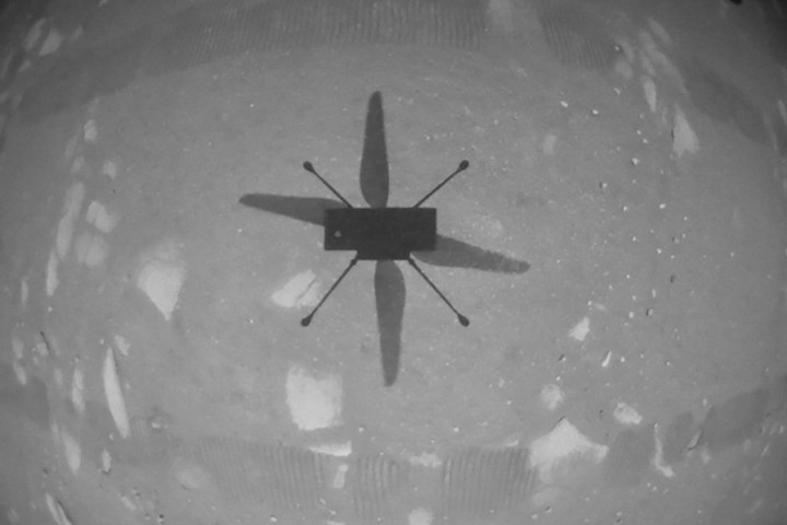 Történelmi tesztrepülést tett a NASA helikoptere a Marson