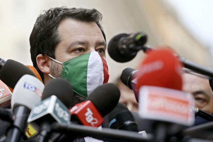 Pénteken dönt a vizsgálóbíró Salvini ügyében